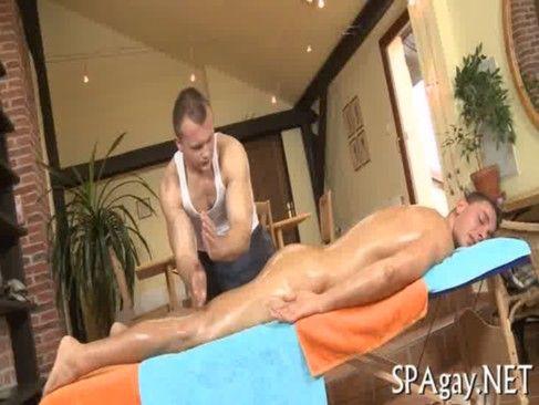 Uma Massagem Boa No Gay.