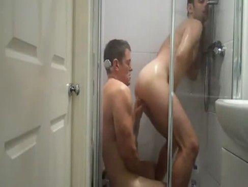 Porno Gay Amador No Banheiro.