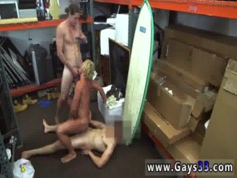 Surfista Sarado Dando Pra Dois Na Garagem.