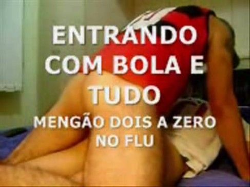 Brasileiro Torcedor Do Flamento Metendo No Inimigo.