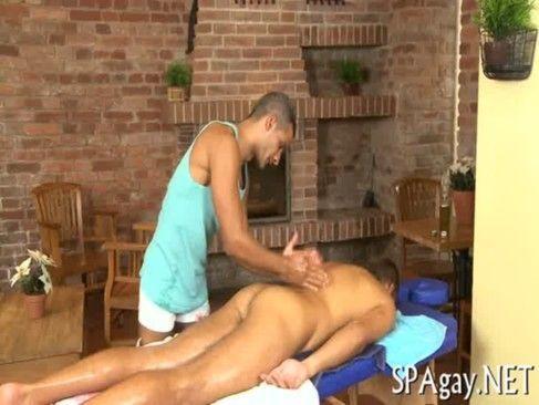 Com Muito óleo Na Massagem.
