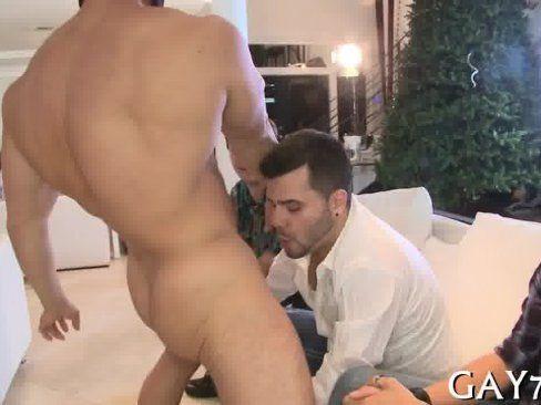 Gogoboy Dançando Pra Gays.