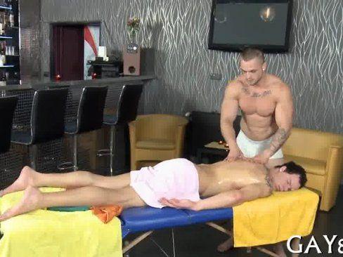 Sarado Gostoso Fazendo Massagem.