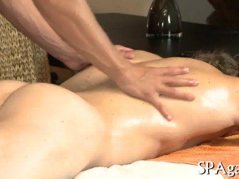 Sexo Na Massagem Com O Cliente Sarado.