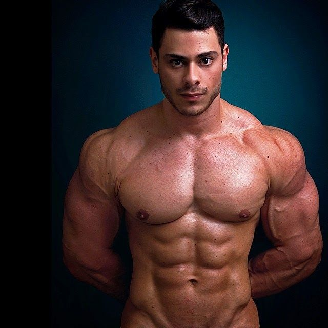 Leo Stronda Perde O Celular E Vaza Nude Do Youtuber.
