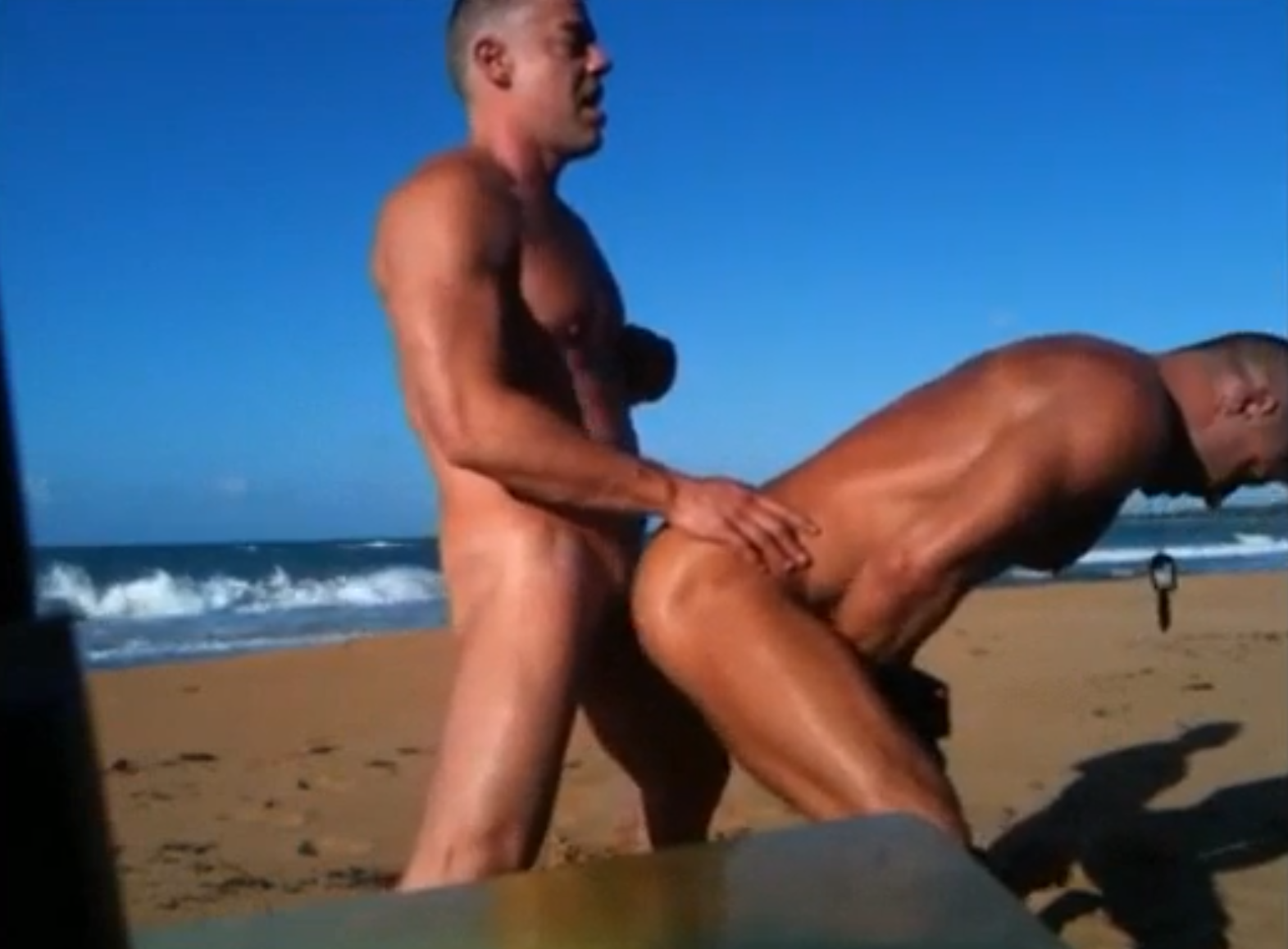 Sexo gay na praia