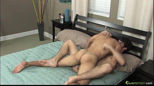 Sexo gay na cama
